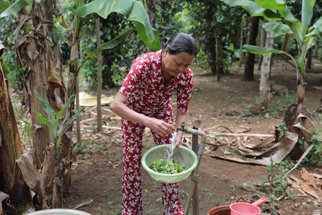 Người dân xứ Nghệ thiếu nước sạch trong mùa hạn - 1