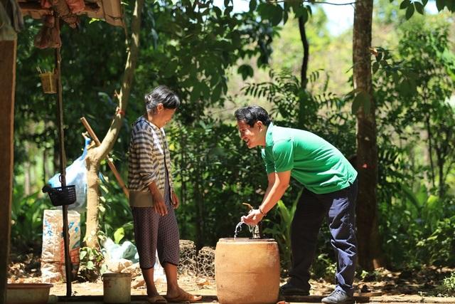 Người dân xứ Nghệ thiếu nước sạch trong mùa hạn - 2