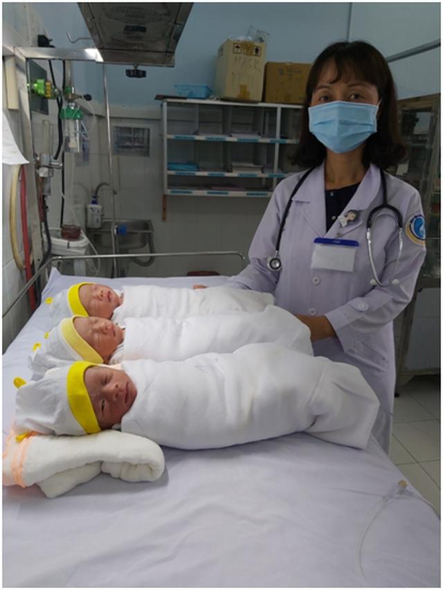 Ca sinh 3 bé trai có thai tự nhiên hiếm gặp ở An Giang - 1
