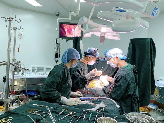 Bé 3 tuổi mắc tim bẩm sinh và đa dị tật đã được phẫu thuật - 1