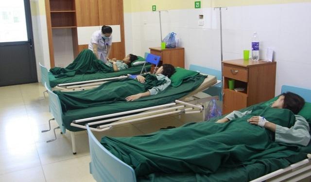Sơn La: Gần 40 vận động viên nhập viện sau bữa ăn tối - 1