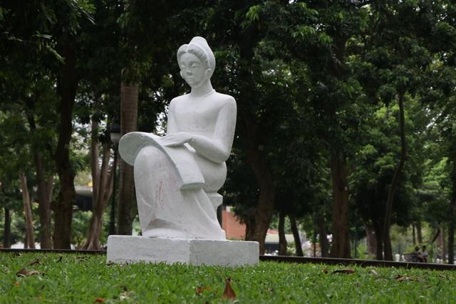 Bị phản ứng dữ dội, tượng ở Công viên Thống Nhất lại đổi màu sơn - 10