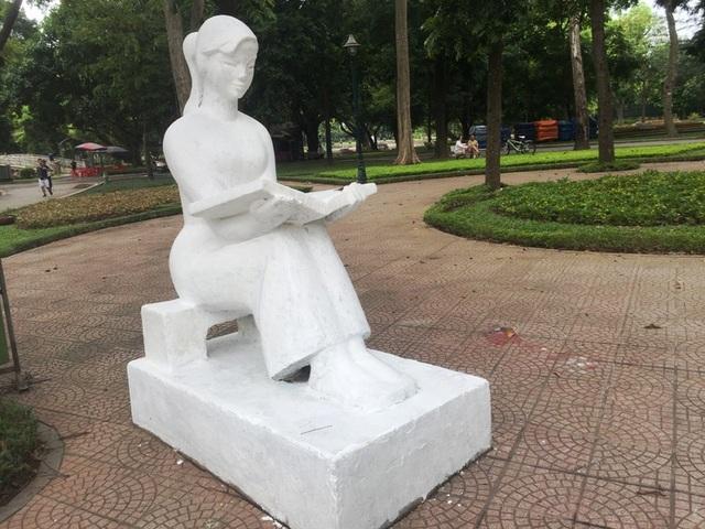 Bị phản ứng dữ dội, tượng ở Công viên Thống Nhất lại đổi màu sơn - 11