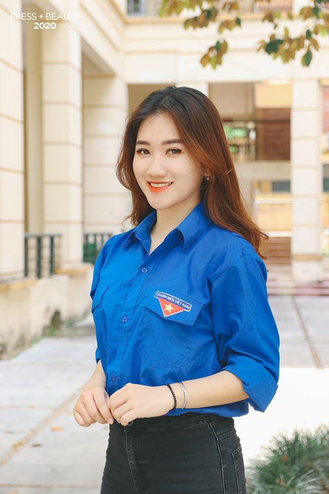 Top 10 thí sinh Hoa khôi Báo chí khoe sắc với màu áo xanh tình nguyện - 3