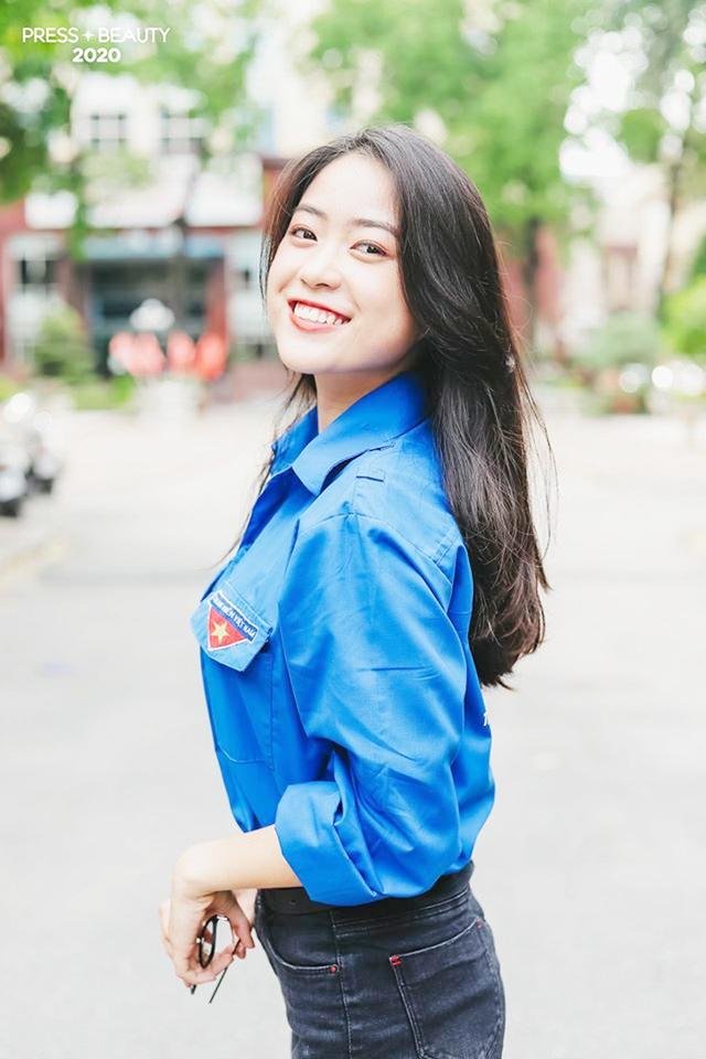 Top 10 thí sinh Hoa khôi Báo chí khoe sắc với màu áo xanh tình nguyện - 8