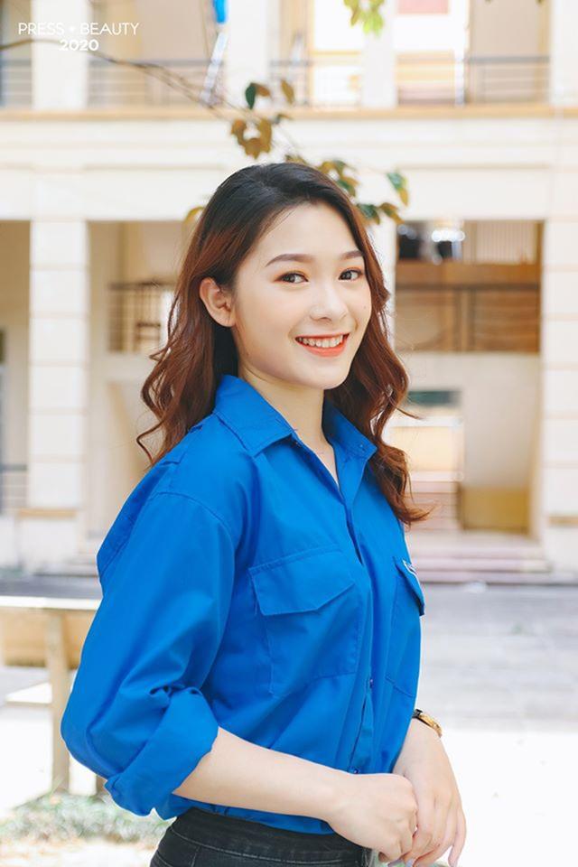 Top 10 thí sinh Hoa khôi Báo chí khoe sắc với màu áo xanh tình nguyện - 9