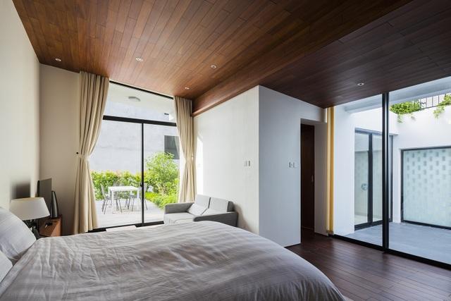 """Biệt thự """"độc nhất, vô nhị"""" trồng cả rừng cây trên mái nhà ở Nha Trang - 9"""