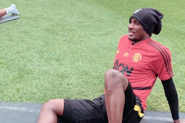 Người đại diện của Ighalo báo tin vui cho Man Utd - 1