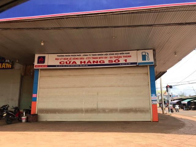 Hàng loạt cửa hàng xăng dầu đóng cửa nhưng chưa phát hiện việc găm hàng - 1