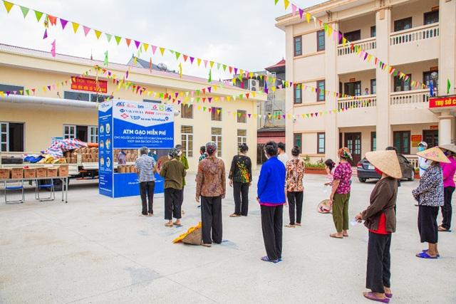 Ấm lòng cây ATM gạo miễn phí tại Bắc Ninh, Hải Phòng - 1