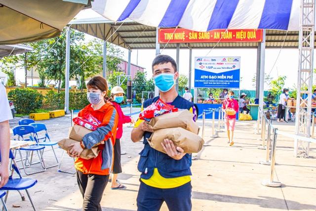 Ấm lòng cây ATM gạo miễn phí tại Bắc Ninh, Hải Phòng - 2