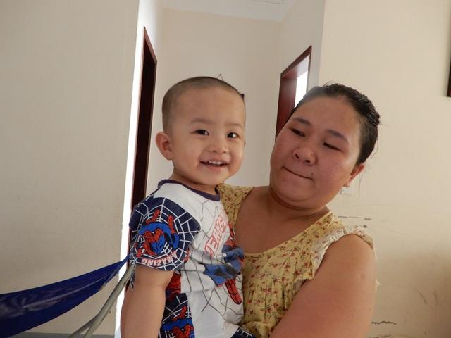 Thương bé trai 2 tuổi đã phải chống chọi với bệnh ung thư quái ác - 4