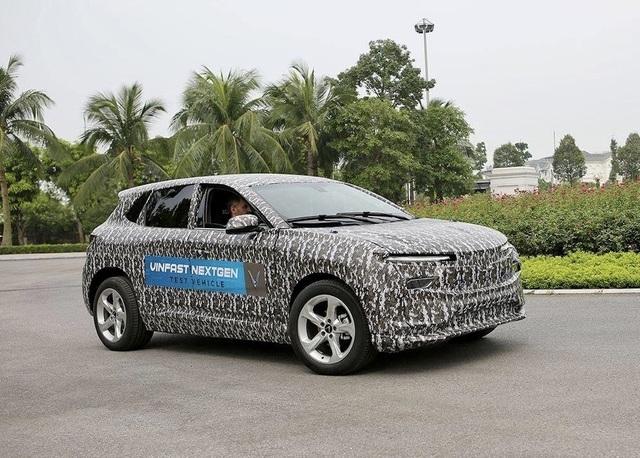 Bắt gặp ô tô điện VinFast chạy thử tại Hà Nội - 1
