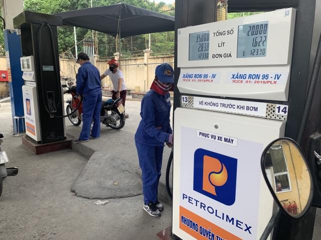 Điều chỉnh lần thứ 2 liên tiếp, 3h chiều nay, giá xăng dầu tăng ở mức cao - 1