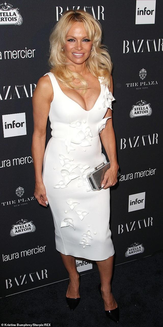 Sau 5 lần kết hôn, Pamela Anderson vẫn mơ làm cô dâu - 1