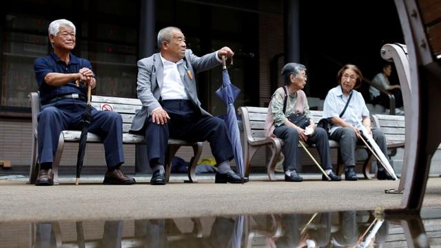 Người Nhật có thể làm việc tới năm 75 tuổi mới nghỉ hưu - 1