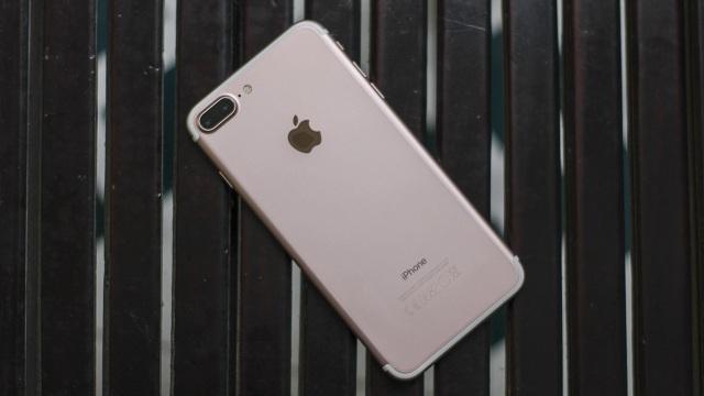 iPhone 7 Plus giảm giá kịch sàn, liệu còn đáng mua? - 2