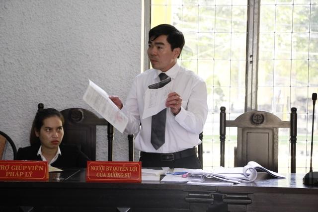 Vụ nữ giúp việc khuyết tật bị chủ nhà hiếp dâm: Bị cáo quanh co chối tội - 2