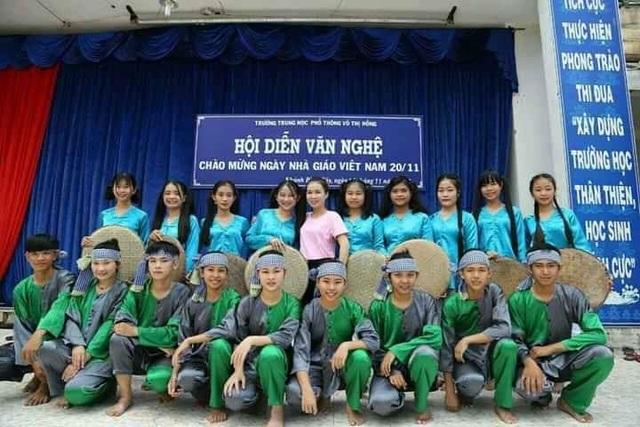Cô giáo dạy Văn hát cải lương Truyện Kiều khiến học trò say mê - 3