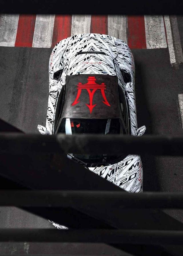 Phiên bản Maserati MC20 đặc biệt tưởng nhớ tay đua huyền thoại Stirling Moss - 4