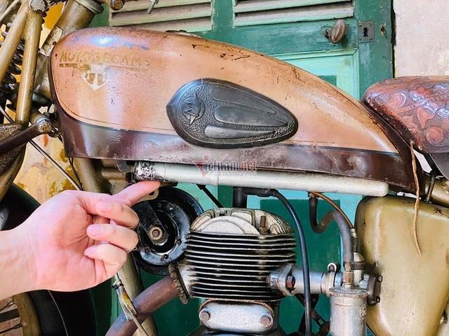Xe máy cổ rỉ sét thời vua Bảo Đại giá gần 500 triệu - 9