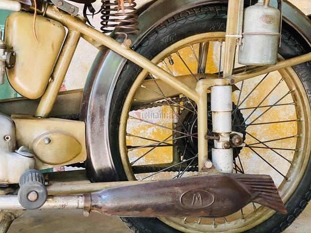 Xe máy cổ rỉ sét thời vua Bảo Đại giá gần 500 triệu - 7
