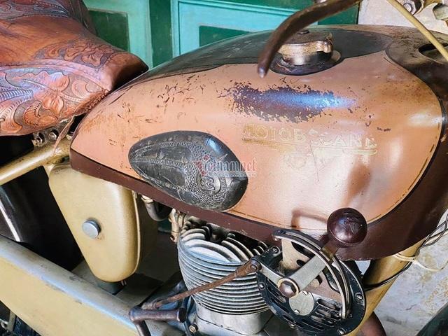 Xe máy cổ rỉ sét thời vua Bảo Đại giá gần 500 triệu - 8