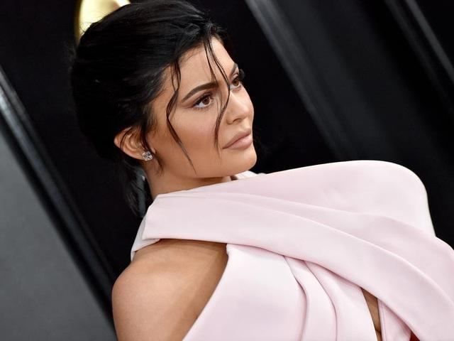 """Nhìn lại chặng đường đã qua của """"tỷ phú bị phế truất"""" Kylie Jenner - 3"""