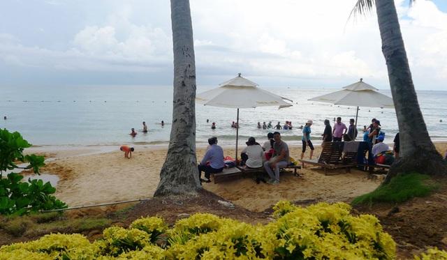 """Mỗi ngày có từ 6.000 – 7.000 du khách đến """"thiên đường"""" du lịch Phú Quốc - 2"""