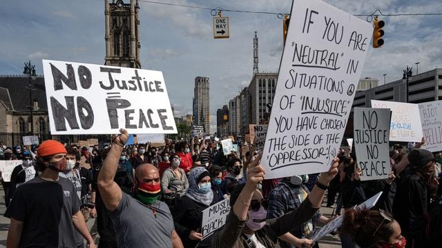 Mỹ: Người biểu tình tấn công loạt cơ quan công quyền - 6