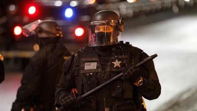 Mỹ: Người biểu tình tấn công loạt cơ quan công quyền - 21