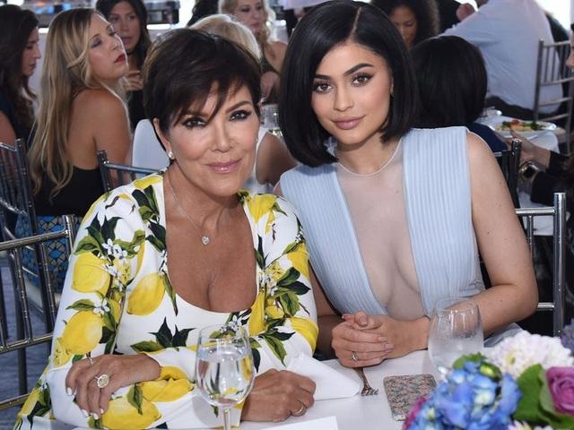 """Nhìn lại chặng đường đã qua của """"tỷ phú bị phế truất"""" Kylie Jenner - 11"""