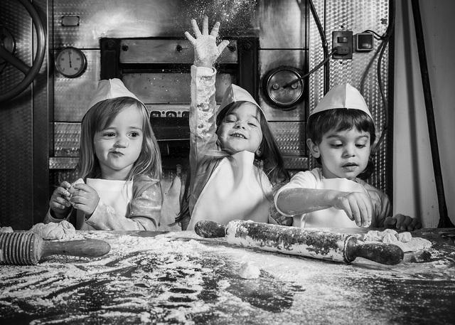 Những bức ảnh kể về niềm vui của trẻ em Việt Nam và trẻ em thế giới - 12