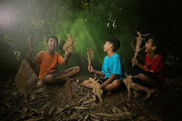 Những bức ảnh kể về niềm vui của trẻ em Việt Nam và trẻ em thế giới - 28