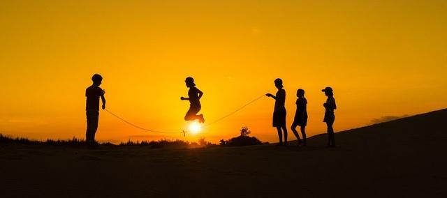 Những bức ảnh kể về niềm vui của trẻ em Việt Nam và trẻ em thế giới - 9