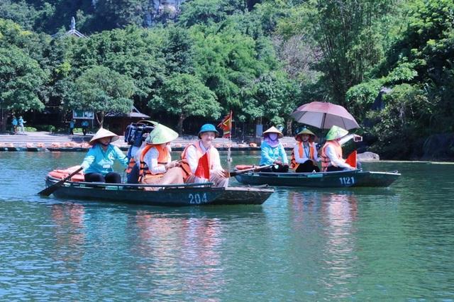 Du lịch Ninh Bình miễn phí mùa đẹp nhất trong năm - 1