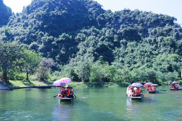 Du lịch Ninh Bình miễn phí mùa đẹp nhất trong năm - 2