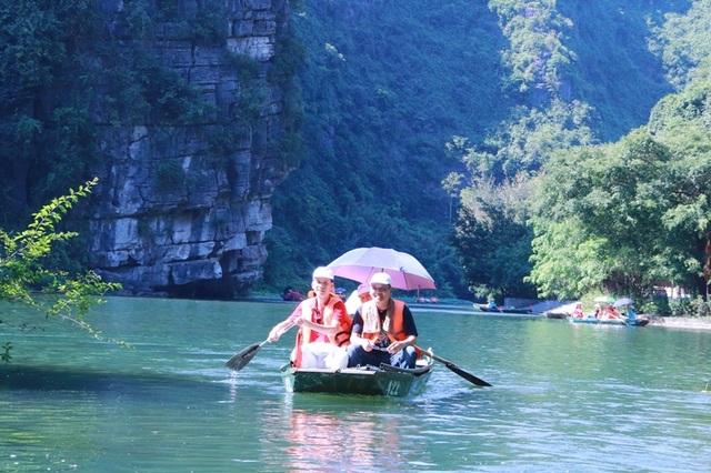 Du lịch Ninh Bình miễn phí mùa đẹp nhất trong năm - 5