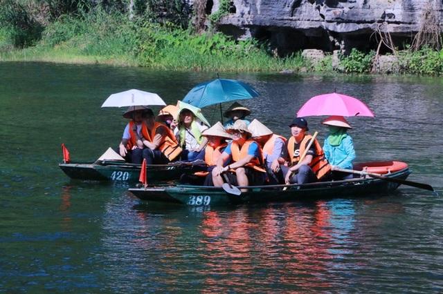 Du lịch Ninh Bình miễn phí mùa đẹp nhất trong năm - 4