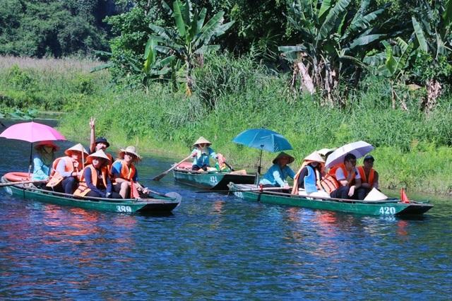 Du lịch Ninh Bình miễn phí mùa đẹp nhất trong năm - 7
