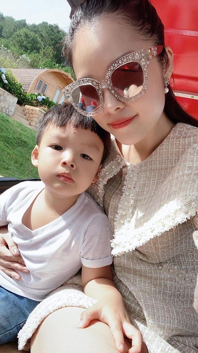 NSND Công Lý, Dương Cẩm Lynh cùng loạt sao bên con, chúc mừng ngày 1/6 - 3