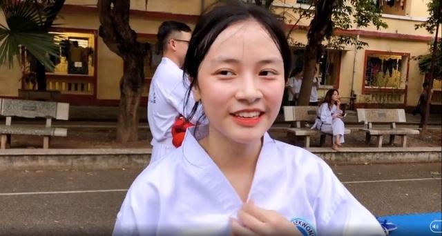 Nữ sinh CLB Taekwondo bất ngờ nổi tiếng sau clip phỏng vấn - 1