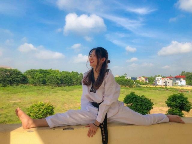 Nữ sinh CLB Taekwondo bất ngờ nổi tiếng sau clip phỏng vấn - 3