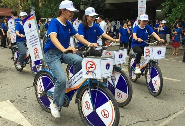 Ngày thế giới không khói thuốc: Bảo vệ trẻ trước những mánh khóe quảng cáo