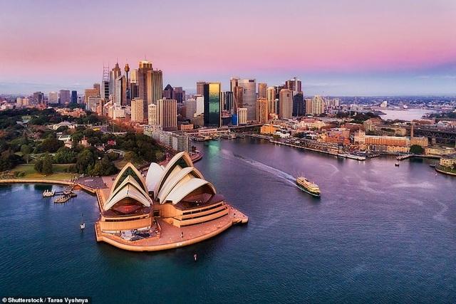 15 thành phố biển đẹp nhất thế giới - 11