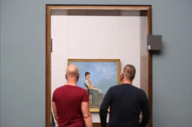 Triển lãm nghệ thuật ở Châu Âu diễn ra rất khác sau dịch Covid-19 - 16
