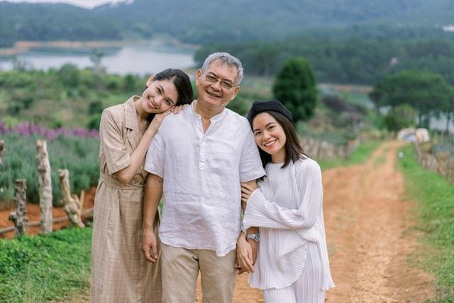 """Ngưỡng mộ mối tình gần 40 năm vẫn """"xanh ngát"""" của bố mẹ Á hậu Thuỳ Dung - 22"""
