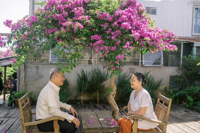 """Ngưỡng mộ mối tình gần 40 năm vẫn """"xanh ngát"""" của bố mẹ Á hậu Thuỳ Dung - 9"""