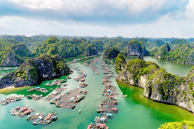 """Tài tử """"Titanic"""" kêu gọi du khách giữ gìn vịnh Lan Hạ của Việt Nam - 3"""