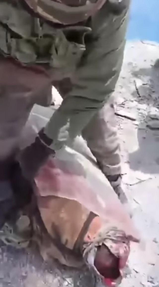 Quân nhân Trung - Ấn đăng ảnh ẩu đả lẫn nhau lên mạng xã hội - 2